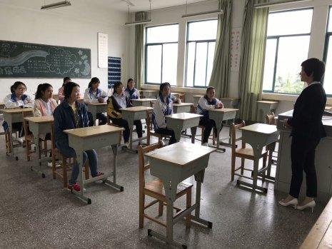 公共教学部学生实习工作进行中